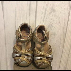 Stride Rite SRT Dana Gold Toddler Shoes 4